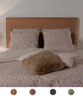 Tête de lit en simili cuir vieilli cloutée personnalisable - 8 tailles disponibles