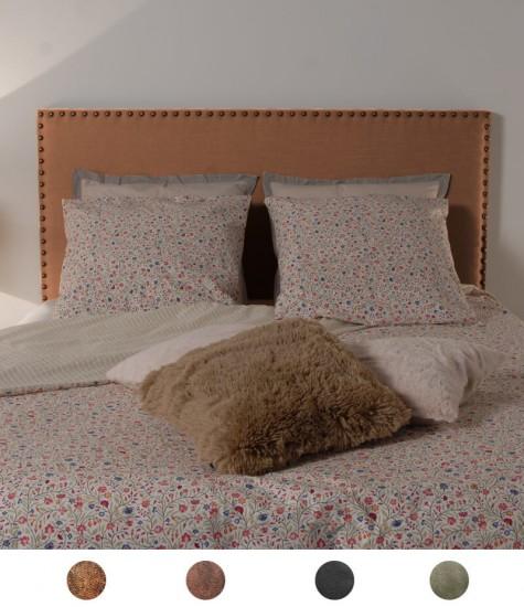 t te de lit en simili cuir vieilli clout e personnalisable. Black Bedroom Furniture Sets. Home Design Ideas