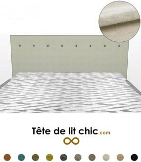 Tête de lit beige clair en tissu anti-tache avec une rangée de boutons
